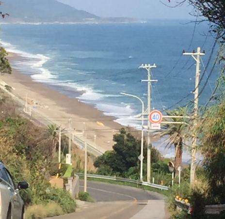 海の見える道